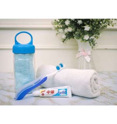FREE Toothbrush + Toothpaste + Hanger Bottle + 30cm*30cm Cooling Face Sport Towel Sports Gym Travel Toiletries Set Tuala Muka SUPERSPORT